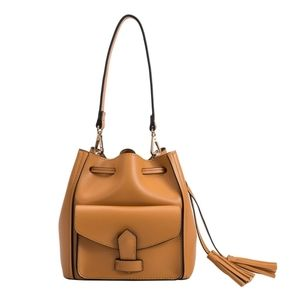 Cleopatra bucket bag